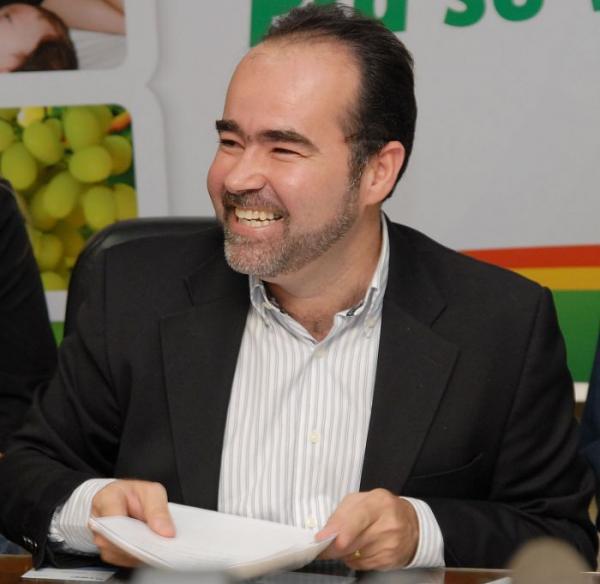 PRÉ-CANDIDATO A GOVERNADOR, JÚLIO LÓSSIO PARTICIPA DE DEBATE SOBRE EDUCAÇÃO E SUSTENTABILIDADE NO RECIFE.