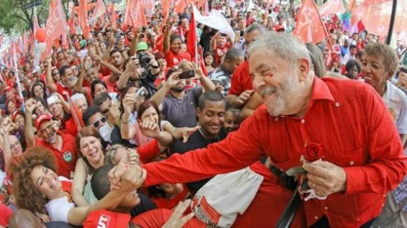 Após condenação, PT lança pré-candidatura de Lula à presidência