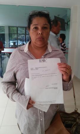 SOFRE COMPLICAÇÕES DO DIABETES: Mulher em Garanhuns espera há dois anos por fita para medição de glicose na farmácia da prefeitura