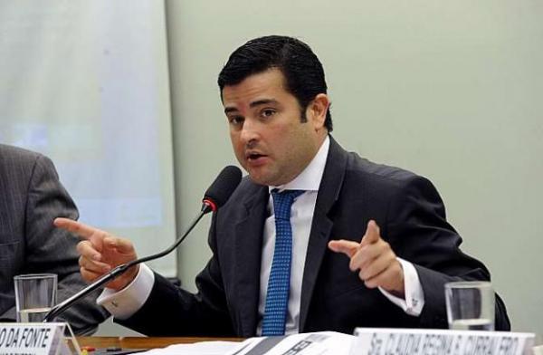 LAVA JATO: Polícia Federal faz buscas na casa e no gabinete do deputado pernambucano Eduardo da Fonte do PP