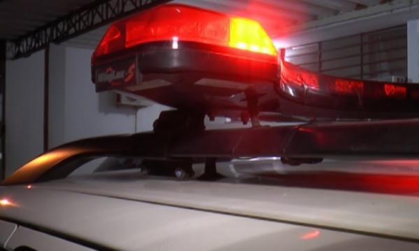 Mulher é presa após furtar depósito de bebidas na Cohab 2, em Garanhuns