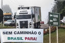 Protesto de caminhoneiros continua apesar do acordo com o governo
