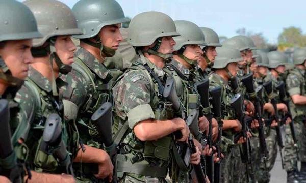 Comandante do Exército já mobiliza tropas em todo o país