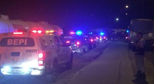 Polícia cumpre mandado da Justiça para debloquear Porto de Suape