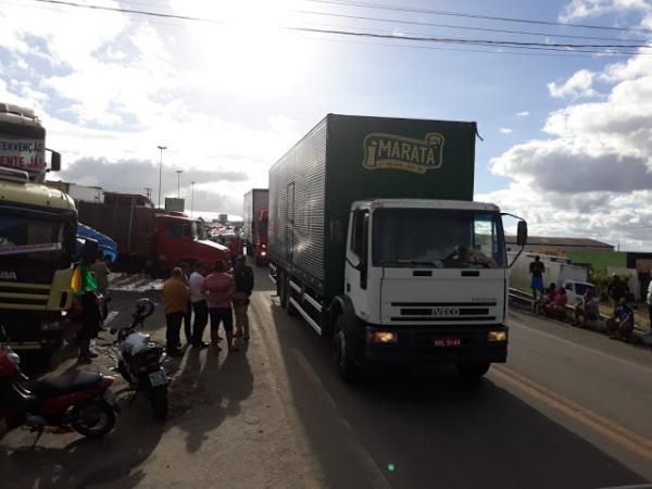 Após nove dias acaba protesto dos caminhoneiros ao longo da BR-423, em Garanhuns