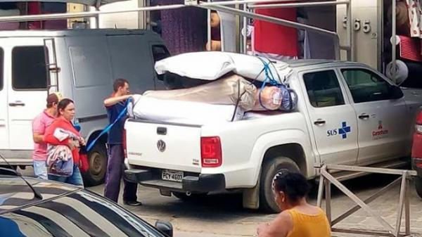 Veículo da Prefeitura de Garanhuns flagrado carregado de tecido em Caruaru estava a serviço da Secretaria de Turismo do município