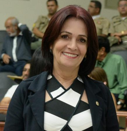 Vereadora Betânia da Ação Social desmascara Prefeitura de Garanhuns