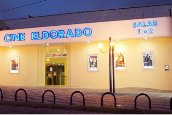 NÃO ENTRARAM PORQUE ESTAVAM DESCALÇOS: Crianças carentes ganham ingressos para ir pela primeira vez ao cinema, mas são barradas no Cine Eldorado, em Garanhuns