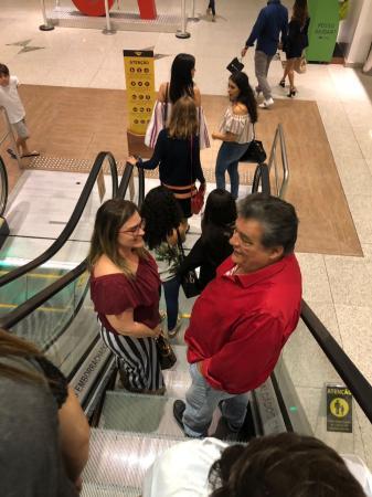 Marília e Sílvio recebidos com entusiasmo em shoppings