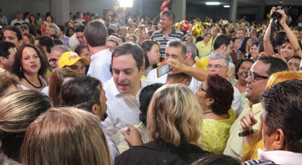 Ibope: Paulo Câmara abre seis pontos de vantagem sobre Armando Monteiro