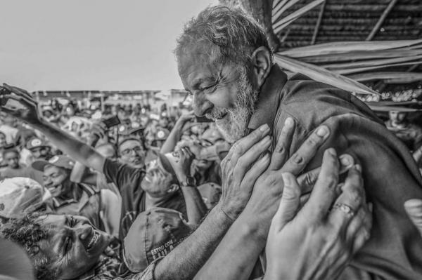 TSE abre prazo para a defesa de Lula se manifestar