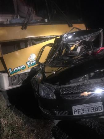 ACIDENTE TRÁGICO: Casal de jovens morre em acidente na BR-423, em Garanhuns no agreste do estado
