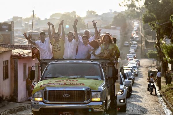 Frente Popular leva carreata da vitória às ruas de Garanhuns