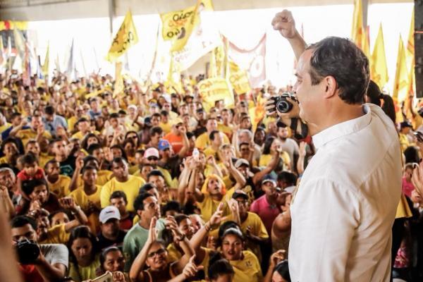 """É CARGA: Paulo Câmara é """"Carga Total"""" na reta final de campanha, e mostra a força da Frente Popular"""