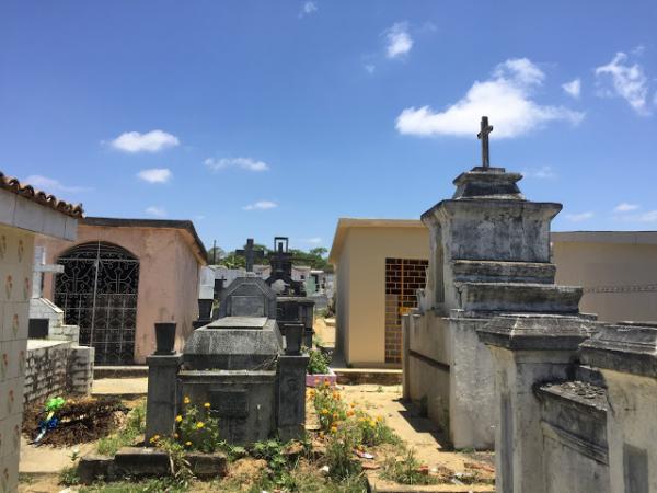 Recadastramento nos cemitérios municipais segue até novembro