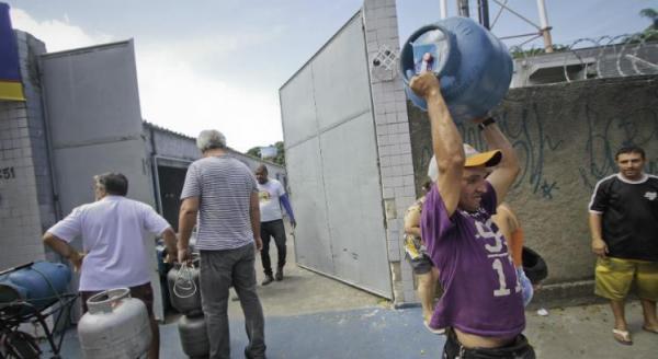Preço do gás de cozinha pode chegar a R$ 75 em Pernambuco