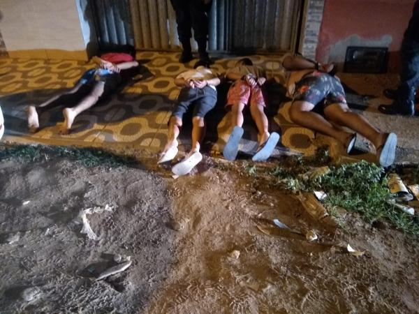Bandidos que tomaram de assalto carro de taxista em Garanhuns são presos na cidade de Arapiraca-AL