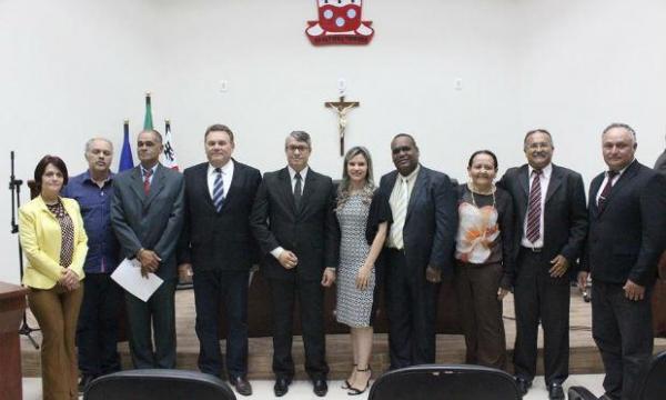 DE OLHO EM 2020: Prefeito Izaías Régis pretende reformular a sua base de apoio