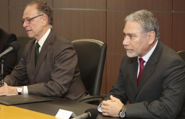 A esquerda na imagem, Carlos Arthur Nuzman, a direita General Marco Aurélio Costa Vieira