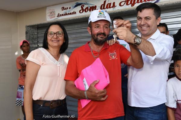 JUPI: Prefeito Marcos Patriota entrega primeiras 100 unidades habitacionais construída na Zona Rural da cidade