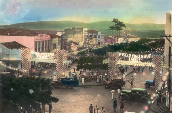 Natal de Garanhuns na década de 60 - Avenida Santo Antônio, centro da cidade.