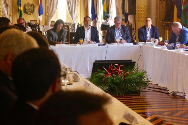 Paulo Câmara apresenta modelo de gestão e metas do Governo ao novo secretariado