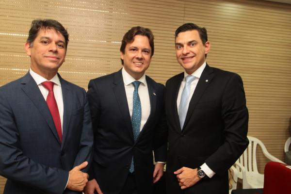 Ernani Medicis recebe o cargo de procurador-geral do Estado de Pernambuco