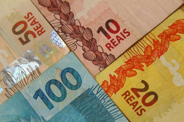 FUNDEB: Suspenso pagamentos de honorários advocatícios com recursos do Fundeb/Fundef