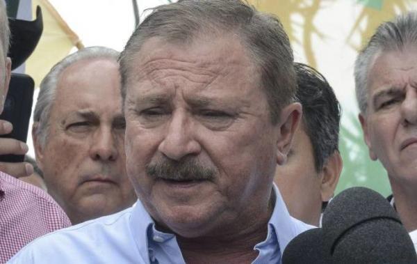 """Secretário de Assuntos Fundiários diz que não dorme sem arma e quer fechar escolas do MST: """"Fabriquinha de ditadores"""""""