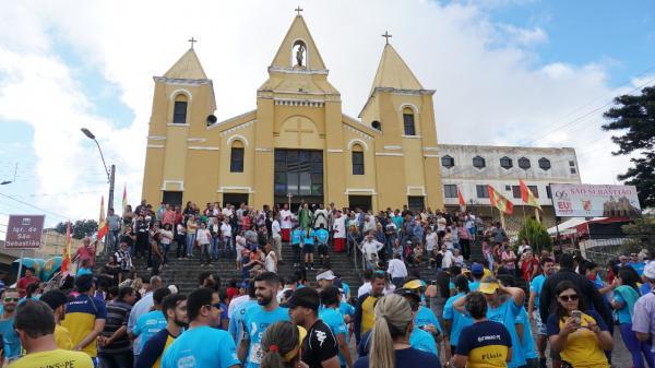 Mais de 250 pessoas participam da Corrida 2 Milhas de São Sebastião