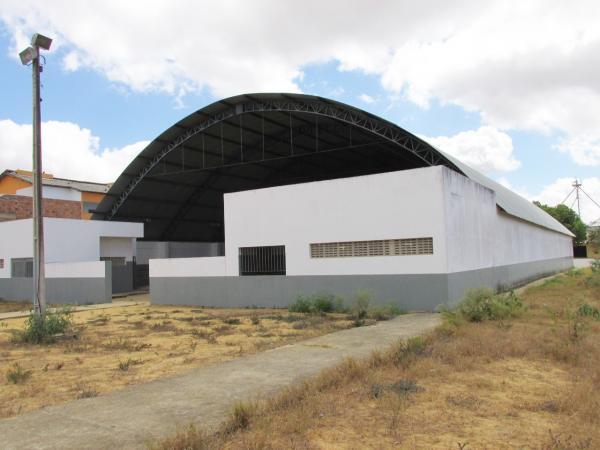 Quadra da Escola Miguel Arraes será reformada