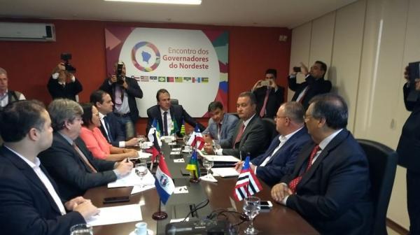 Paulo Câmara já se reúne com grupo de governadores do NE