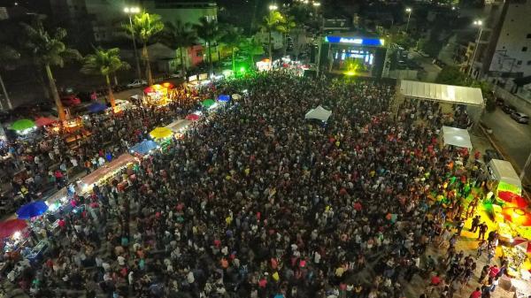 GARANHUNS: Festa da Posse do deputado Fernando Rodolfo teve público estimado em 20 mil pessoas na Esplanada Cultural Mestre Dominguinhos