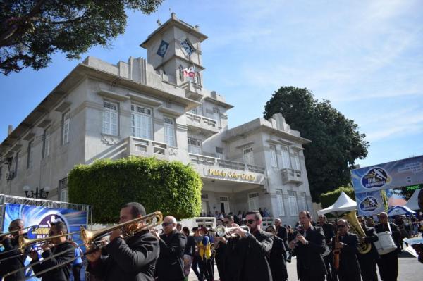 O Dia de Garanhuns foi comemorado com muita festa e homenagens a cidade pelos seus 208 anos