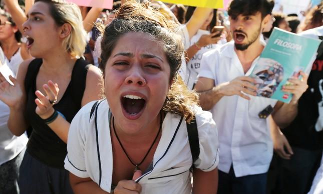 Cortes na Educação mobilizam estudantes contra Bolsonaro em todo o Brasil nesta quarta-feira (15)