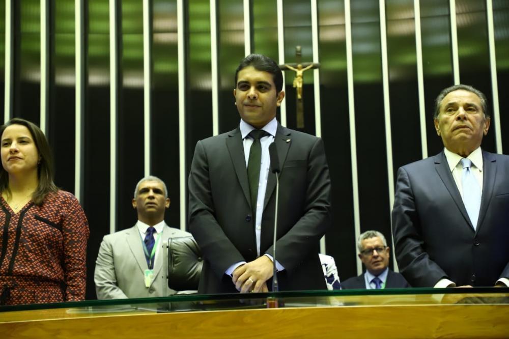 Deputado Fernando Rodolfo homenageia Caruaru