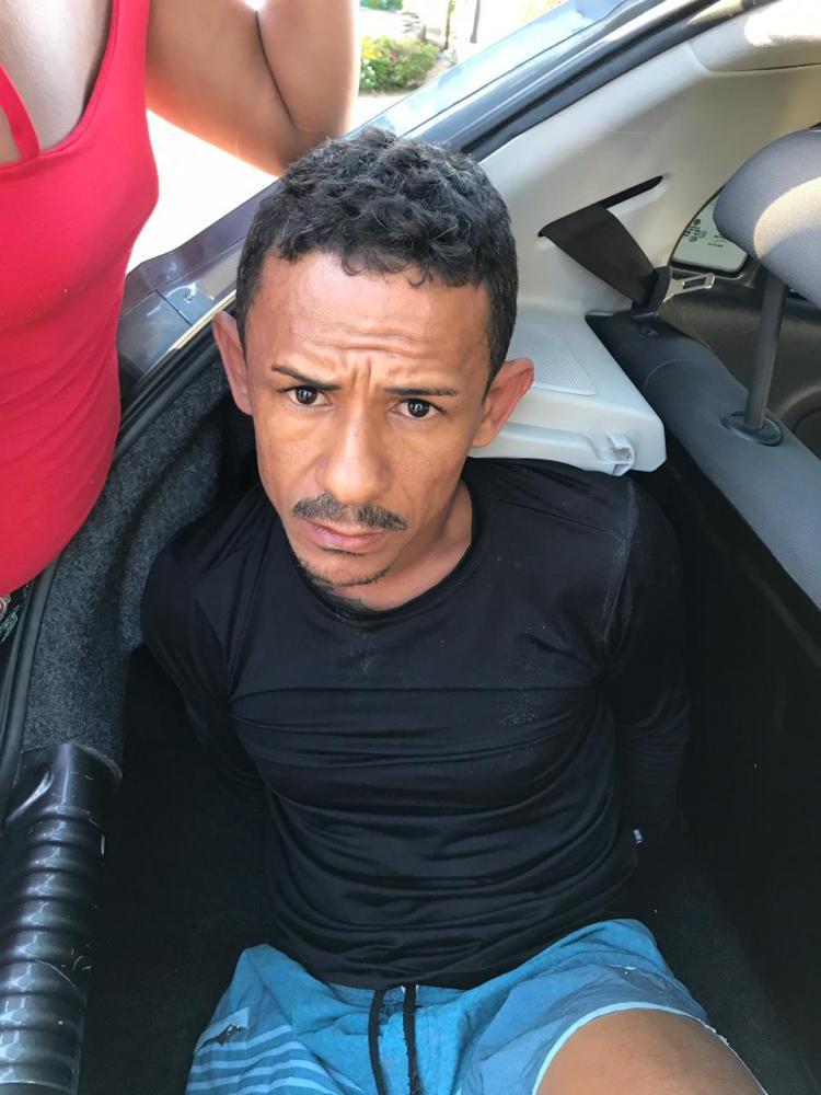 GARANHUNS: Em ação conjunta DENARC, Delegacia de Homicídios e Malhas da Lei prendem foragido do presídio de Itamaracá condenado a 47 anos de prisão