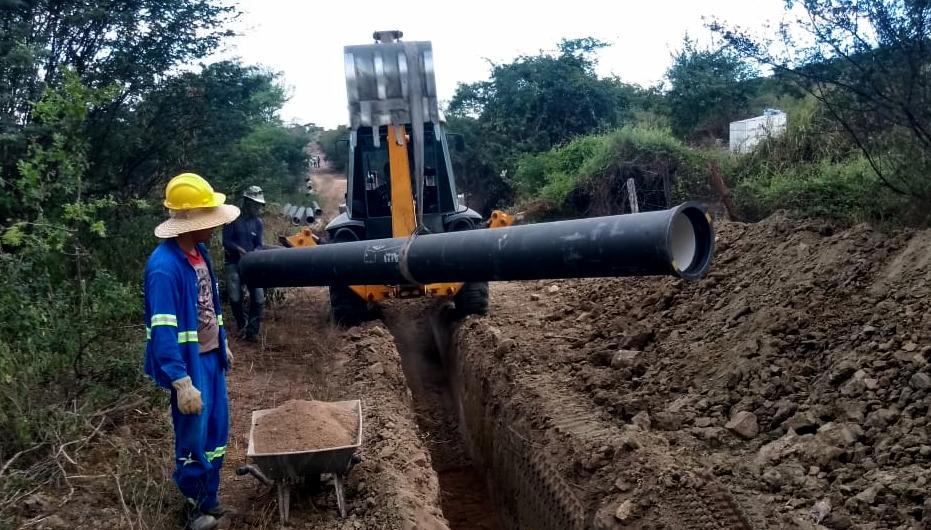 ÁGUA: Retomada obra da Adutora do Agreste entre os municípios de Pedra e Iati, no Agreste Meridional