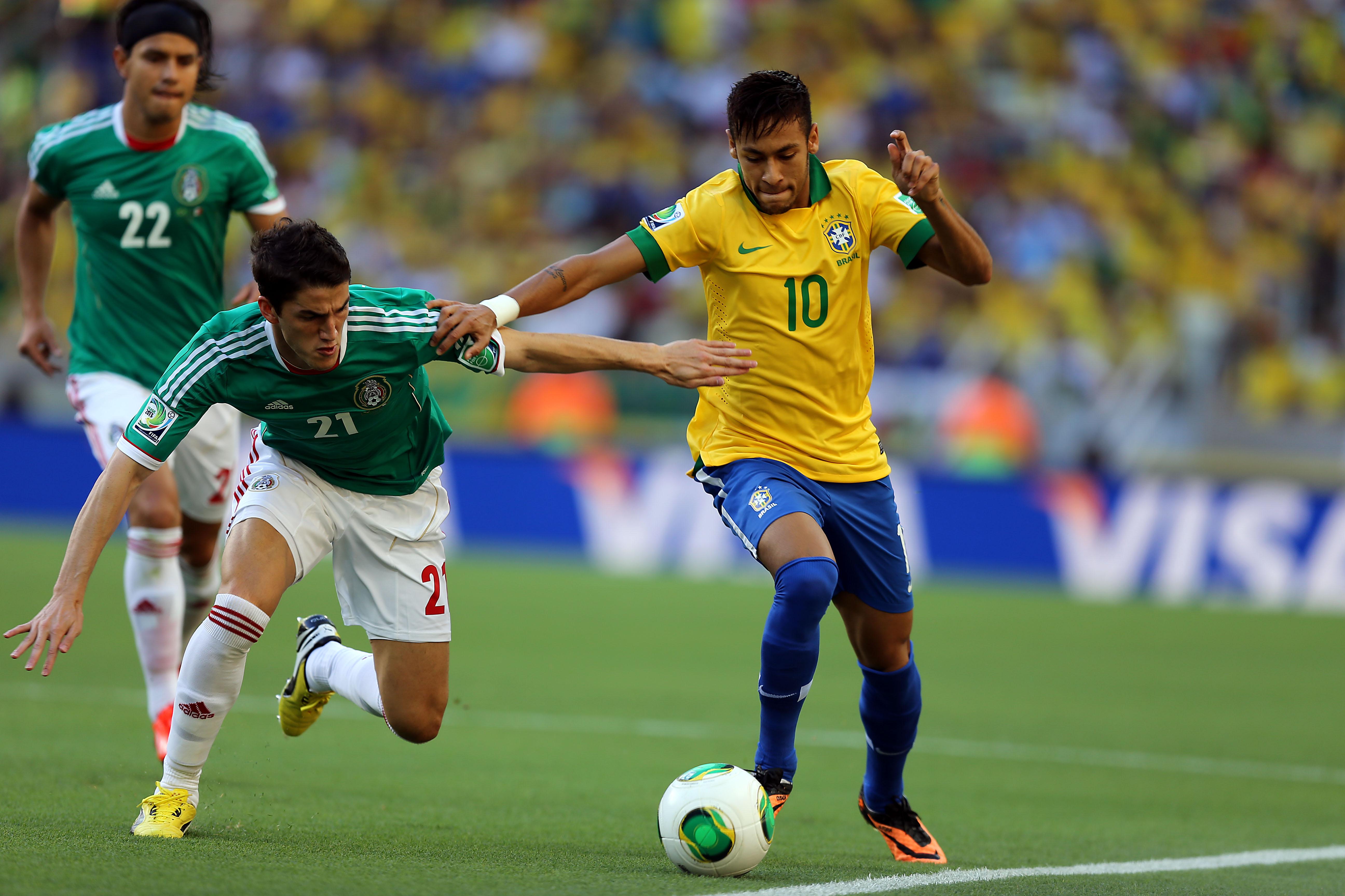 Dunga convoca Cássio e põe Neymar no lugar de Lucas