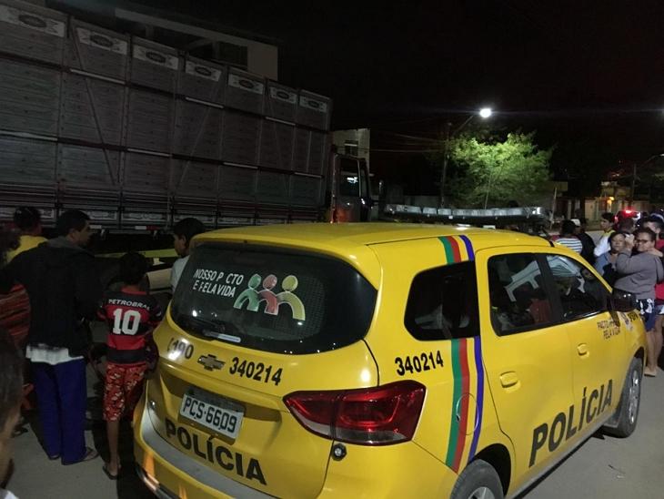 GARANHUNS: Mulher morre atropelada por caminhão na Avenida Duque de Caxias, em Heliópolis