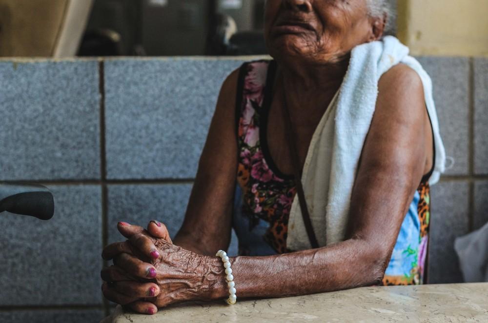 Violência financeira contra idosos aumenta 272%; maioria dos crimes ocorre nas famílias