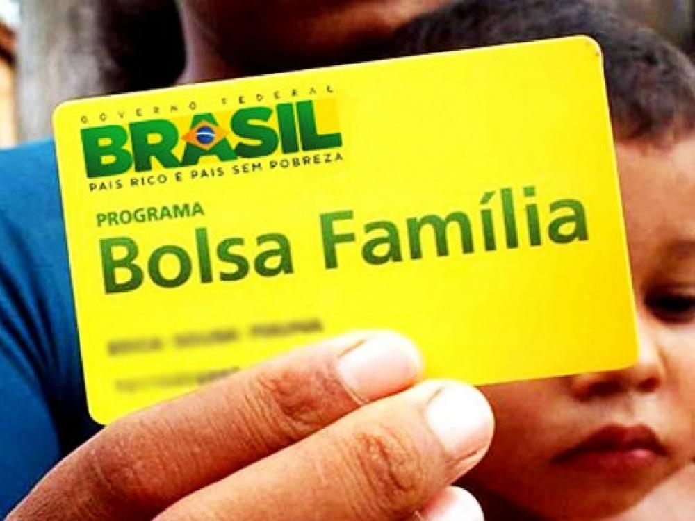 BOLSA FAMÍLIA: Benefício já vem com valores ajustados a partir deste mês; confira o calendário