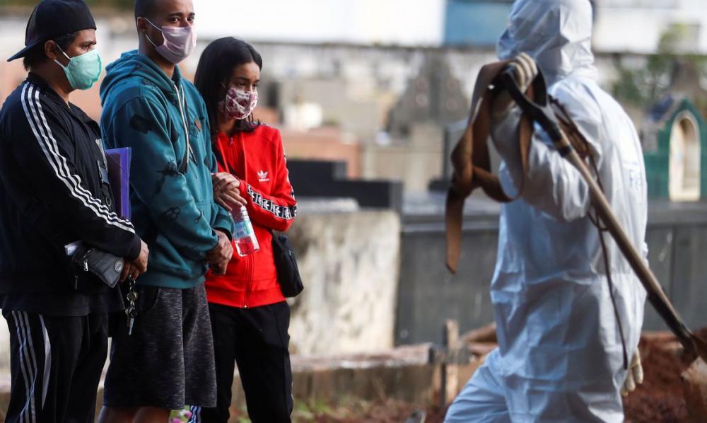 Covid-19: Brasil ultrapassa a marca de mil mortes registradas por dia