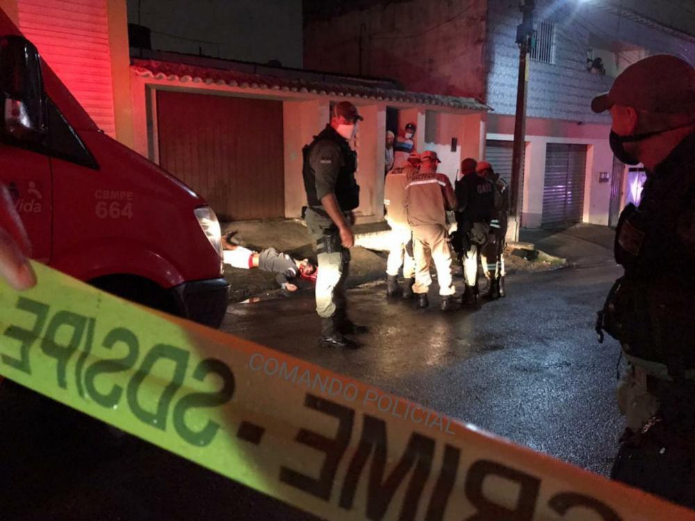 Noite sangrenta em Garanhuns: 2 mortos e 3 baleados