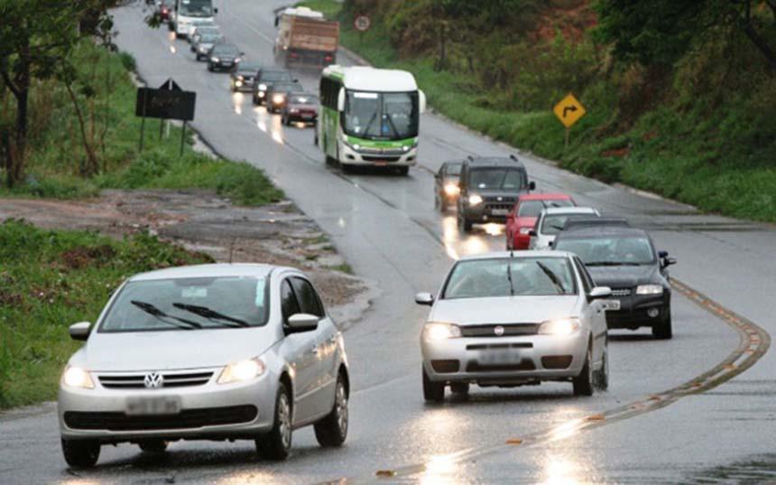 Justiça Federal suspende multa por farol desligado durante o dia nas rodovias de todo país