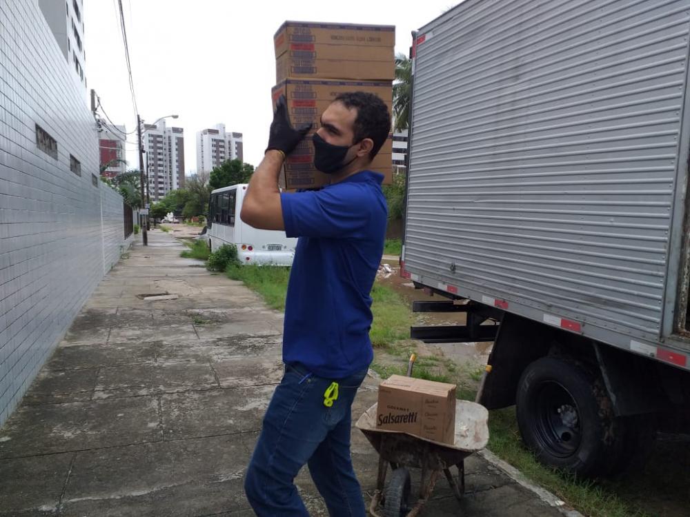 Bunge doa 6 toneladas de alimentos no Grande Recife