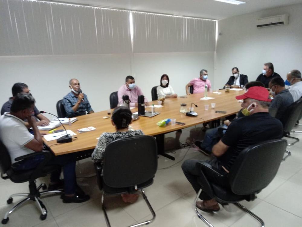 LEGISLATIVO MUNICIPAL: Vereadores de Garanhuns se reúnem para discutir futuro da Casa e oram pela recuperação do vereador Daniel da Silva