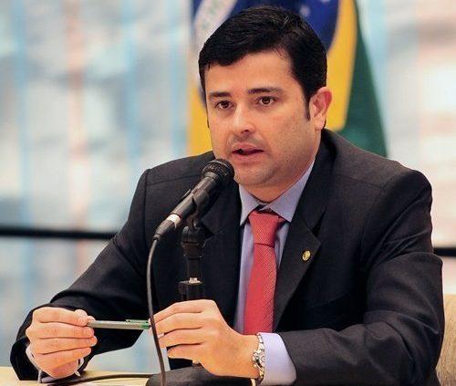 Eduardo da Fonte apresenta propostas importantes para criação do programa de renda básica brasileira