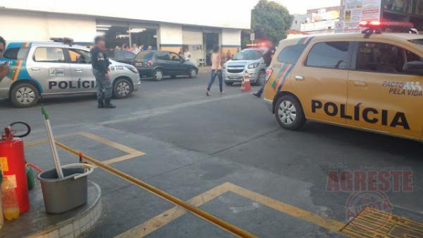 Policias Militar e Civil agem rápido e evita possível tentativa de assalto ao supermercado bonanza em Garanhuns/PE.
