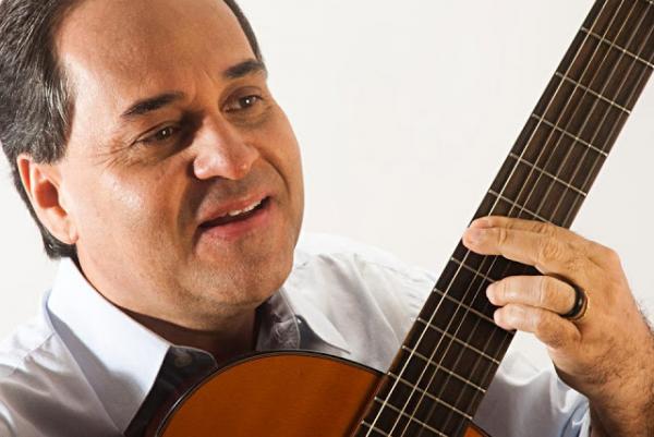 Padre João Carlos participa de show beneficente em Garanhuns